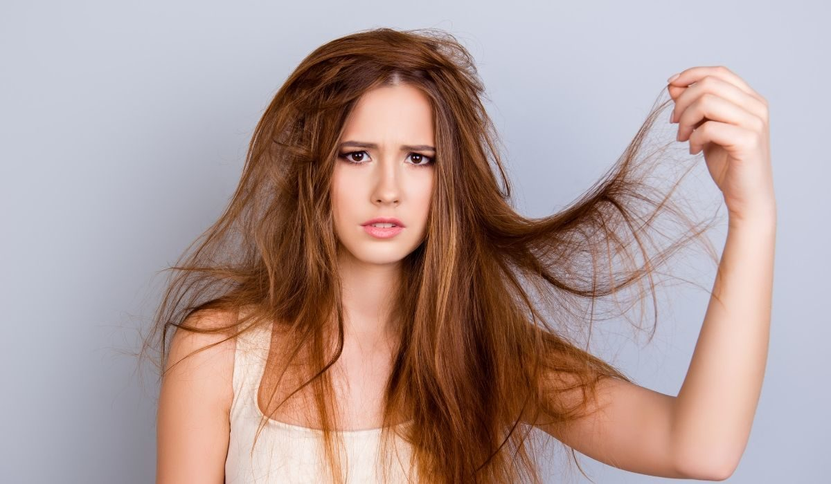 10 Bad Habits That Quickly Damage Your Hair