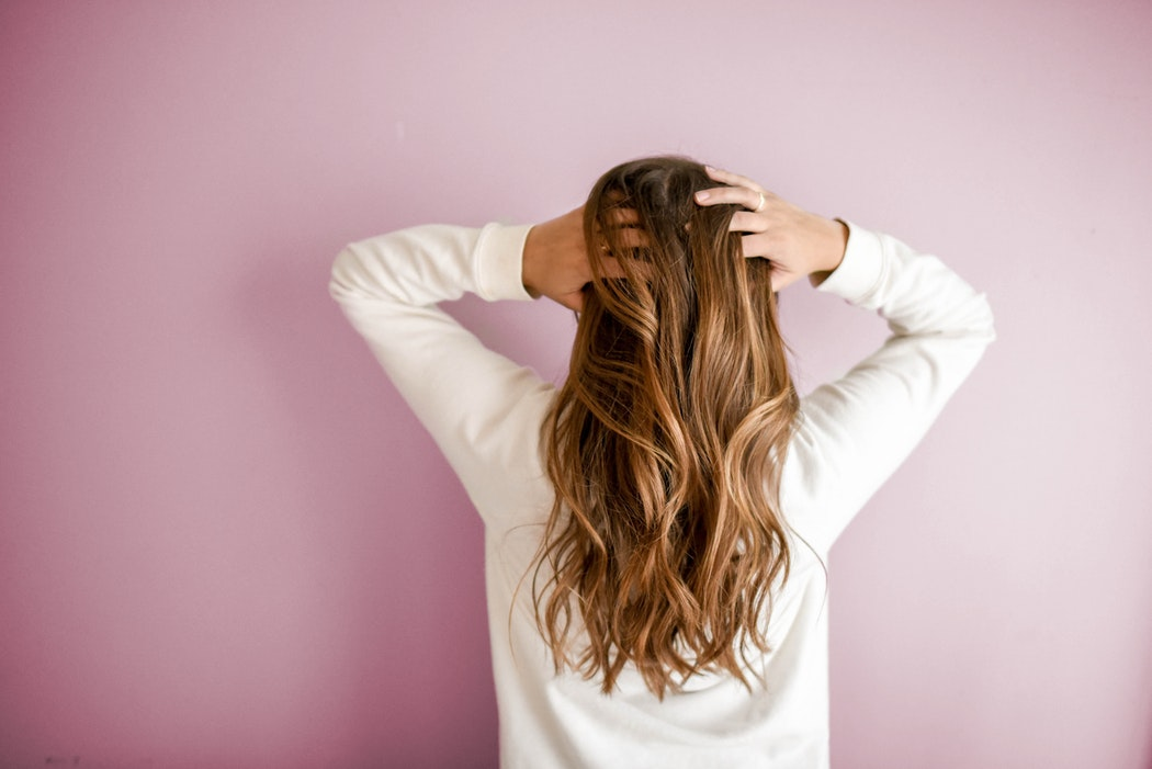 8 Quick Morning Fixes for Greasy Hair