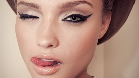 Dos and Don'ts for a Cleopatra Cat Eye