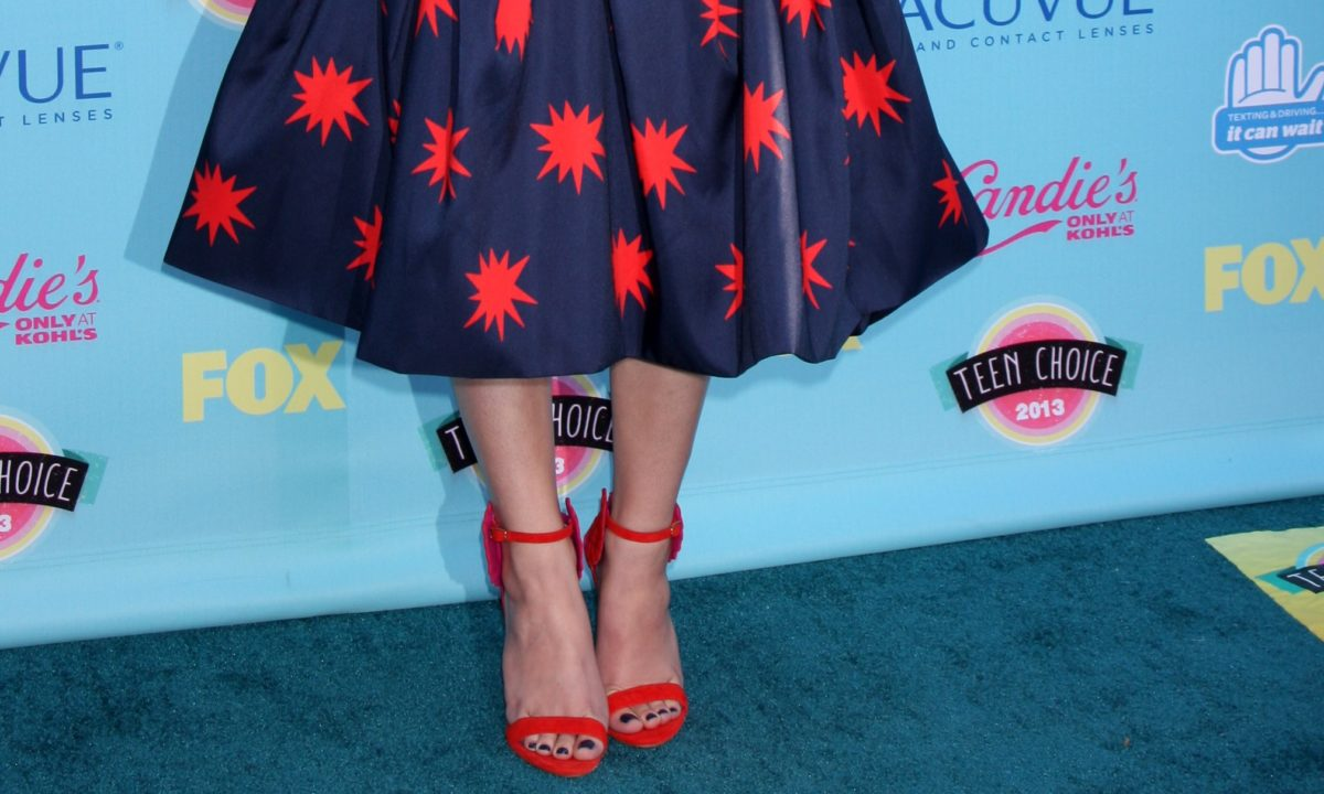 Teen Choice Award Fashion Looks: The Best, The Worst, and Everything In Between