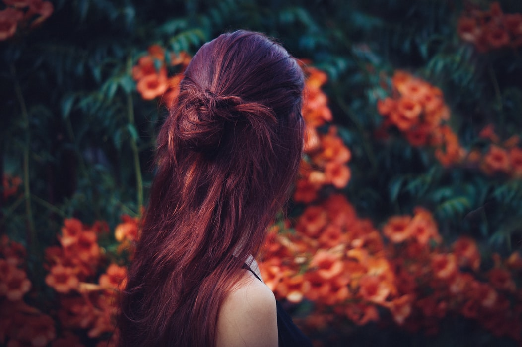 Simple Summer 'Do: The Knotted Half Updo