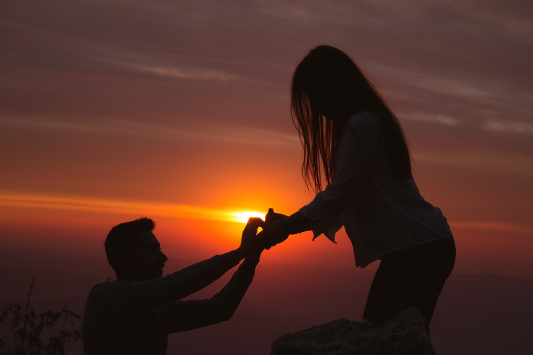 10 Signs He's About to Propose