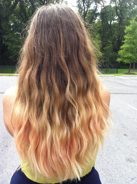 woman with dirty blonde beach waves