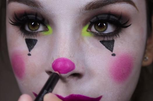 classic circus clown makeup