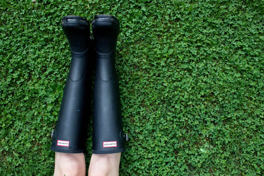 How to Wear Rain Boots: 19 Outfits for Puddle Jumping