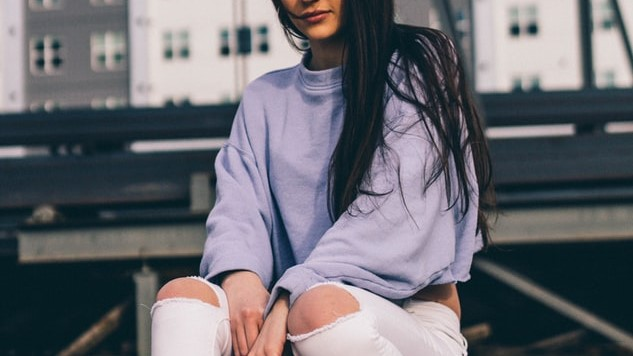 16 Spring Outfits with White Jeans