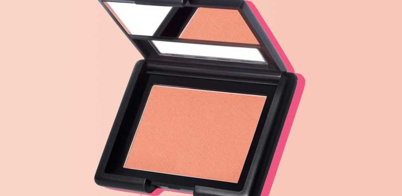 The secret to finding the perfect blush for you is selecting one that enhances your skin's natural flush. For dewy, fresh-faced beauty, choose a blush that is the same undertone as your skin. How do you know what your skin's…