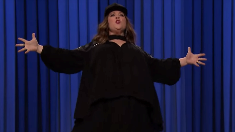 """Watch Melissa McCarthy Channell her Inner Pocahontas on """"The Tonight Show"""""""