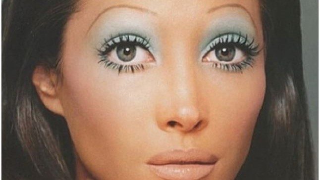 This Instagram Proves Over-Plucked Eyebrows Will Never Be Cool Again