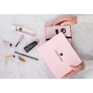Pink Glossybox beauty box
