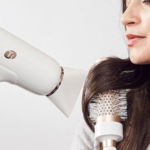 The Best Hair Dryers For Frizz-Free Blowouts