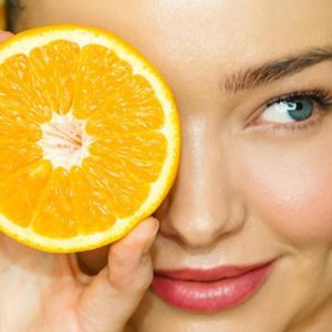 "Miranda Kerr Said She's ""Obsessed"" with This Vitamin C Serum — and So Are More Than 8,000 Sephora Customers"