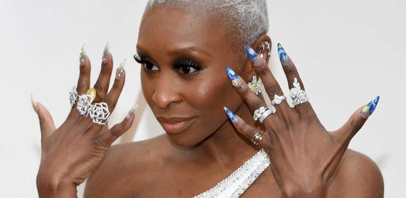This story originally appeared on HelloGiggles.com by Pia Velasco.  We love a good red carpet beauty moment, fromsleek bobsandmen wearing makeuptosparkly manicuresandpin-straight hair. For the 2020 Oscars, there was one beauty moment that took our breath away: Cynthia Erivo's…