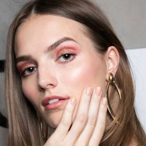 This Is the Most Universally Flattering Nail Polish, According to Fashion Week's…