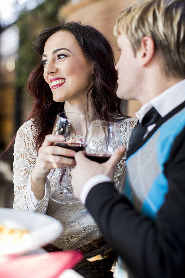 Dating Etiquette Advice to Calm Your First Date Jitters