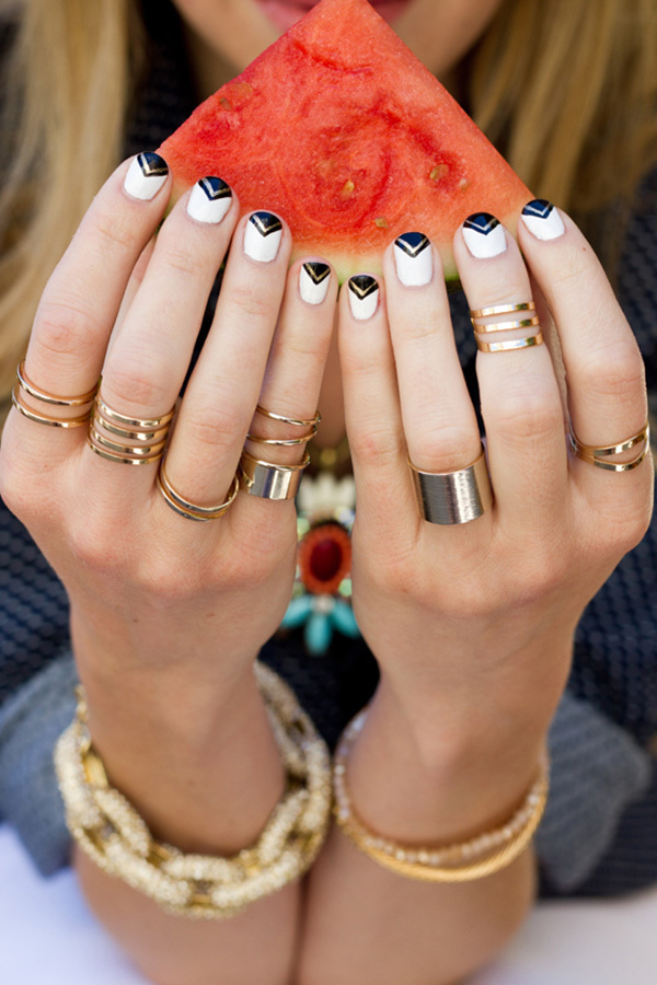 16 Showstopping Festival Nail Designs