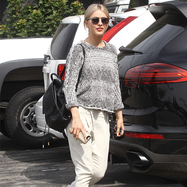 Get The Look: Mimic Julianne Hough's Laid-Back Getup