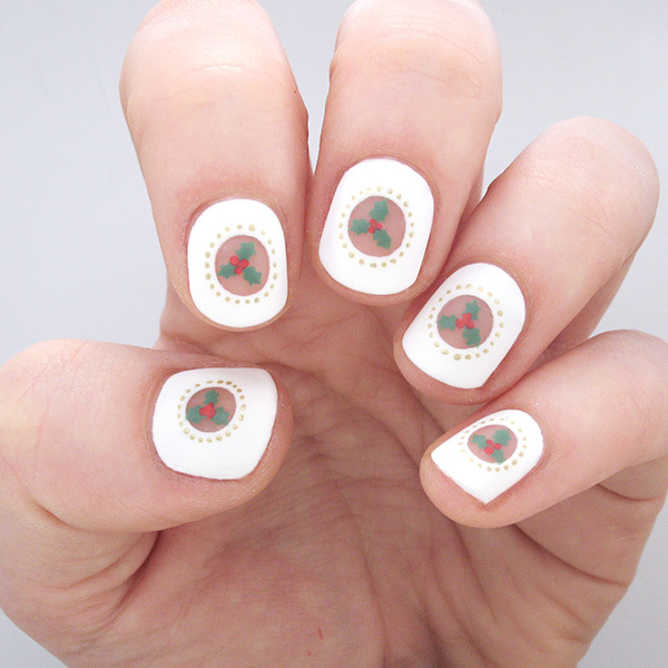 Show Your Holiday Spirit With These Christmas Holly Nails
