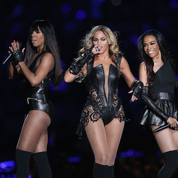 12 of the Most Memorable Super Bowl Halftime Performances