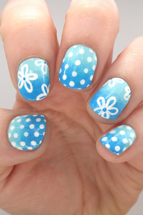 Hit the Beach with This Summery Floral Nail Art