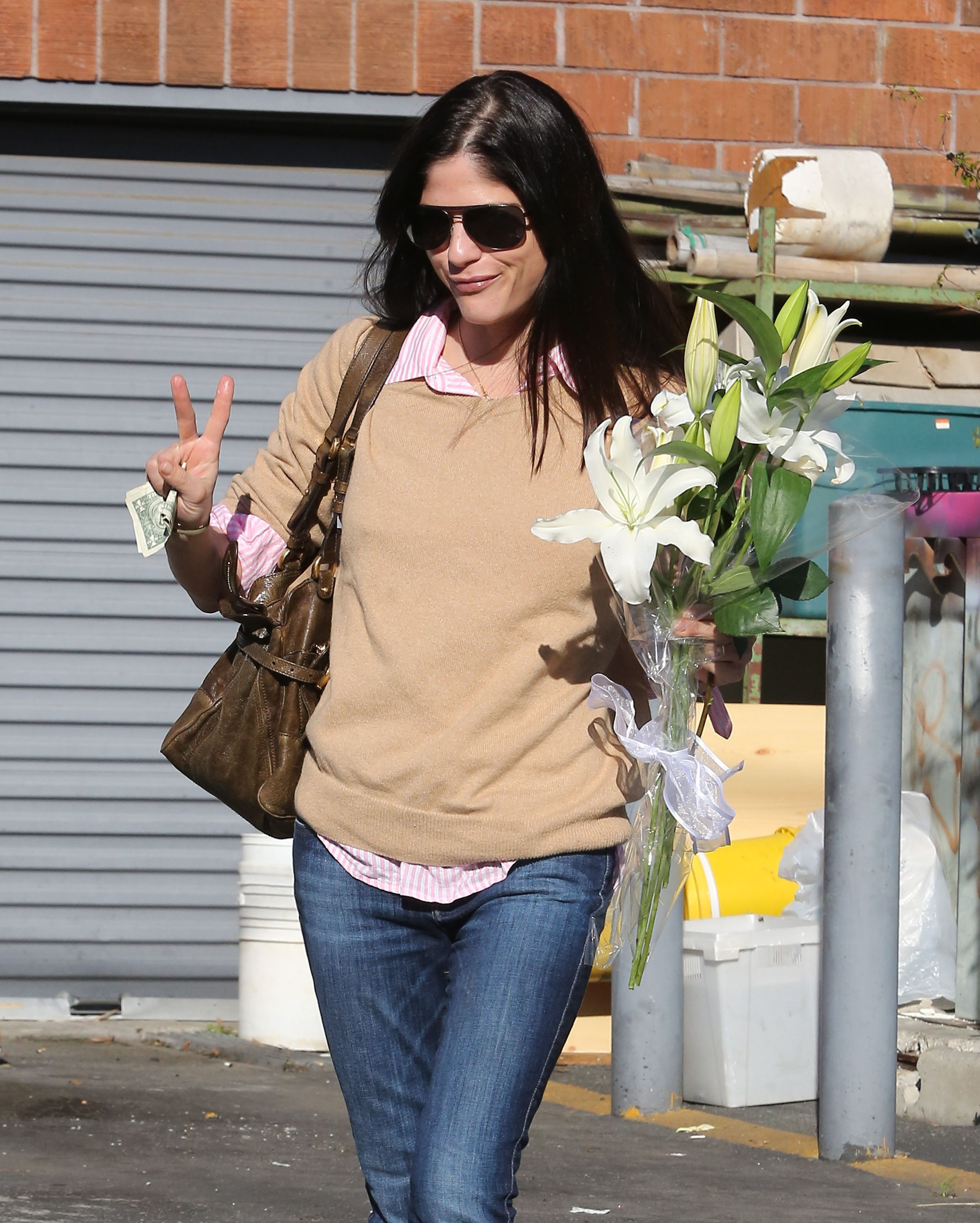 Celeb Style: Selma Blair Hits The Drycleaners