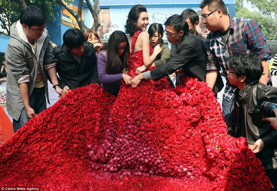A Dress That Puts Your Valentine's Flowers to Shame
