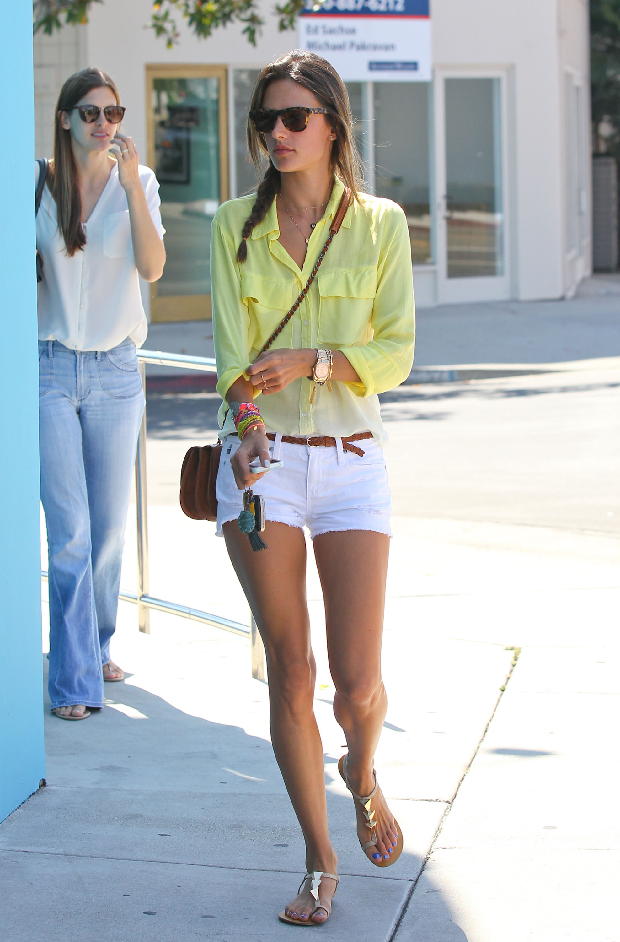 Get the Look: Alessandra Ambrosio's Easy Summer Style