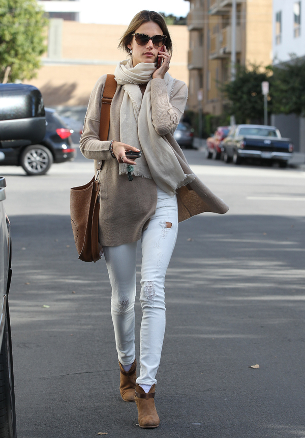 Get the Look: Alessandra Ambrosio Goes Natural in Neutrals