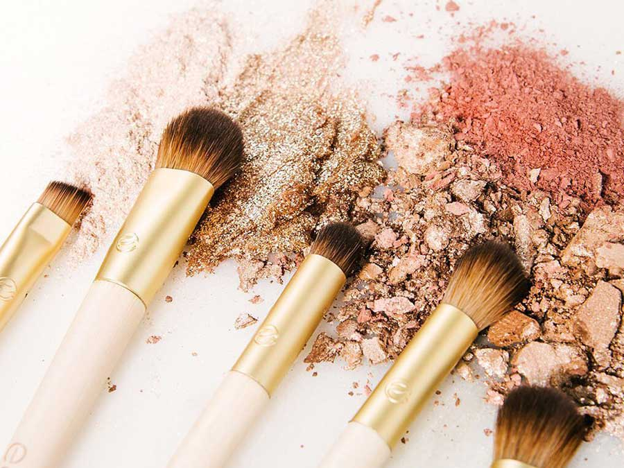 Makeup Artists Say These Are The Best Makeup Brush Sets To Try