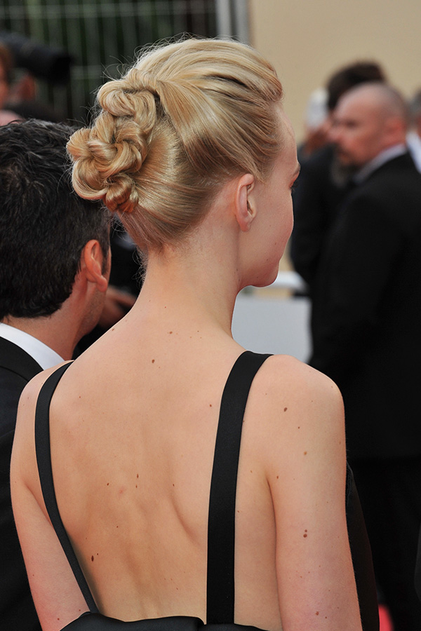 Wear This Hair: Carey Mulligan's Knotted Updo
