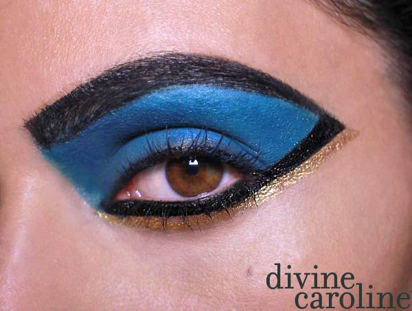 Halloween Makeup How-To: Cleopatra Eye - More