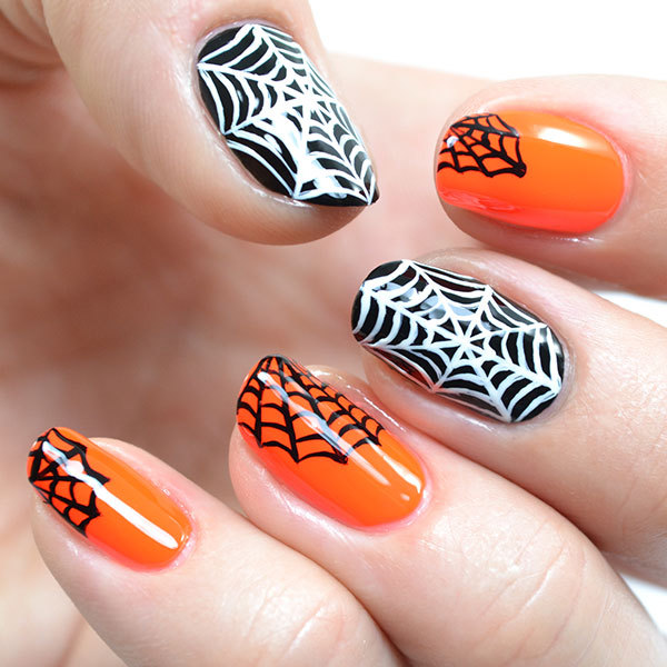 Creepy Cobweb Halloween Nails
