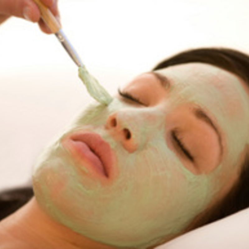 Putting on a Good Face: Natural Skincare Products
