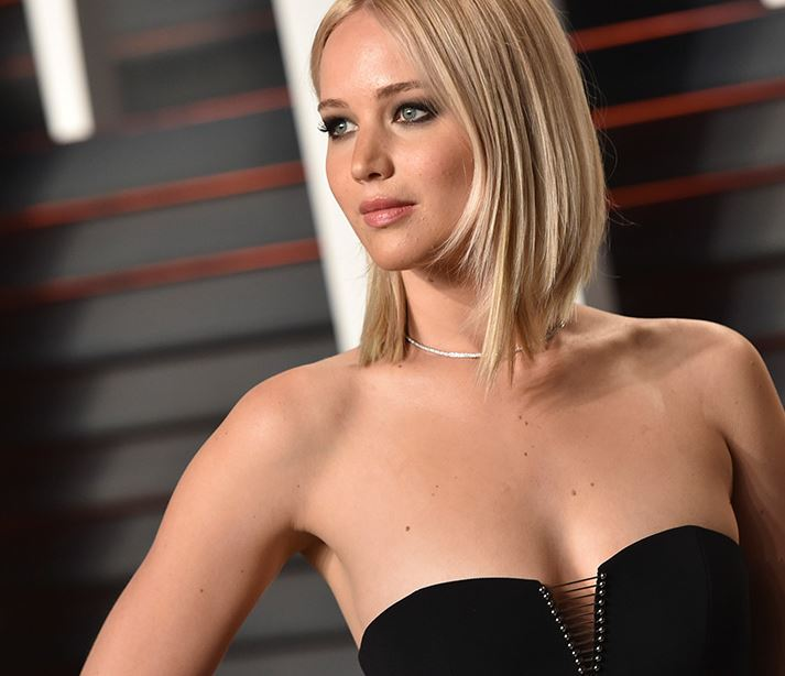 "Jennifer Lawrence Demands That Hollywood Embraces a ""Normal"" Body Type"