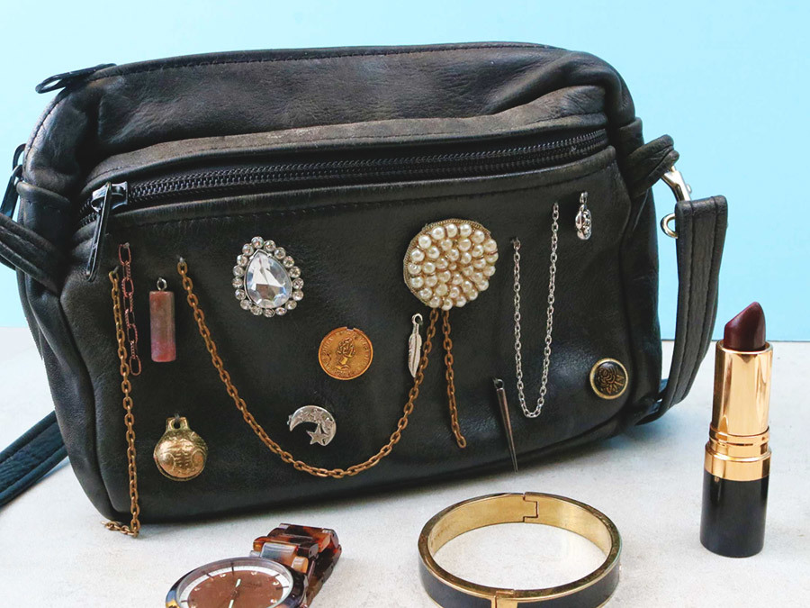 Upgrade An Old Purse With This Ridiculously Easy Embellished Bag DIY