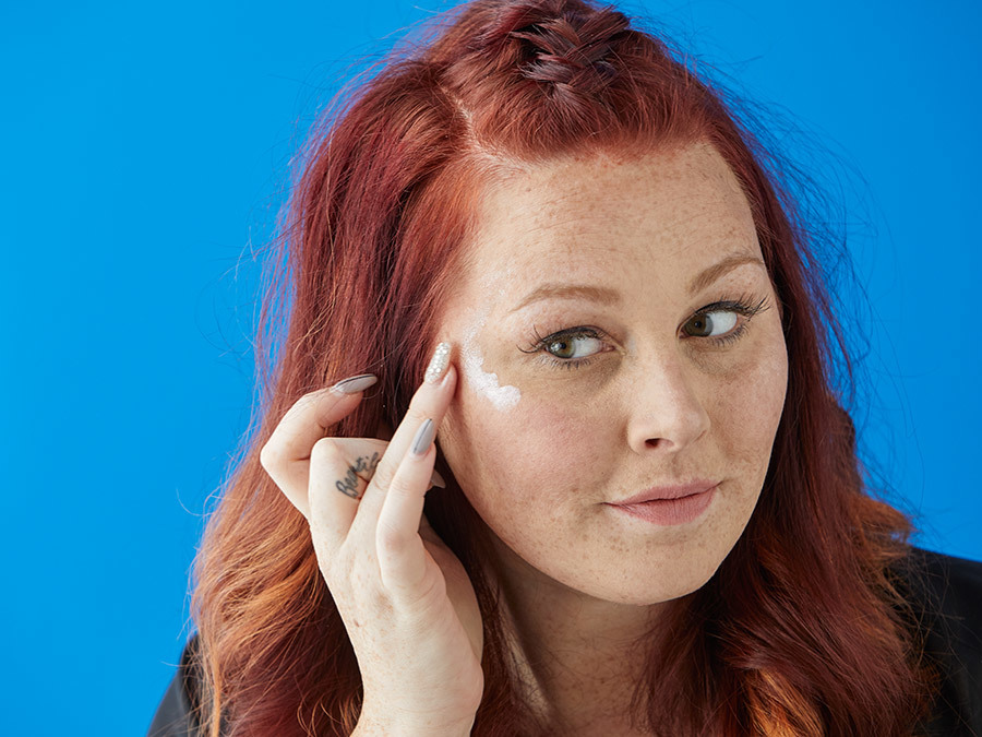 Get A Flawless Highlight Without Looking Oily