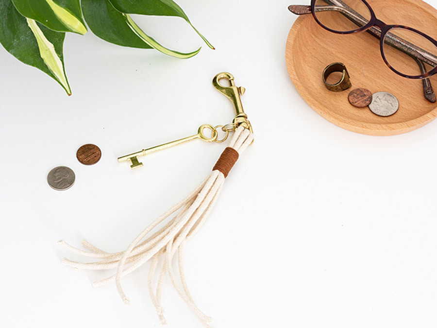DIY This Easy Rope & Leather Keychain