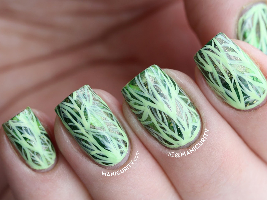 19 Green Nails Inspired By The Pantone 2017 Color of the Year