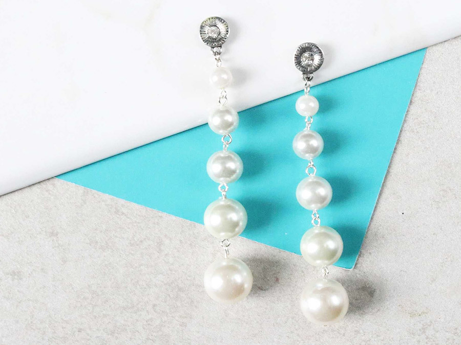 Make DIY Gradient Pearl Strand Earrings For The Ultimate Set Of Ear Candy
