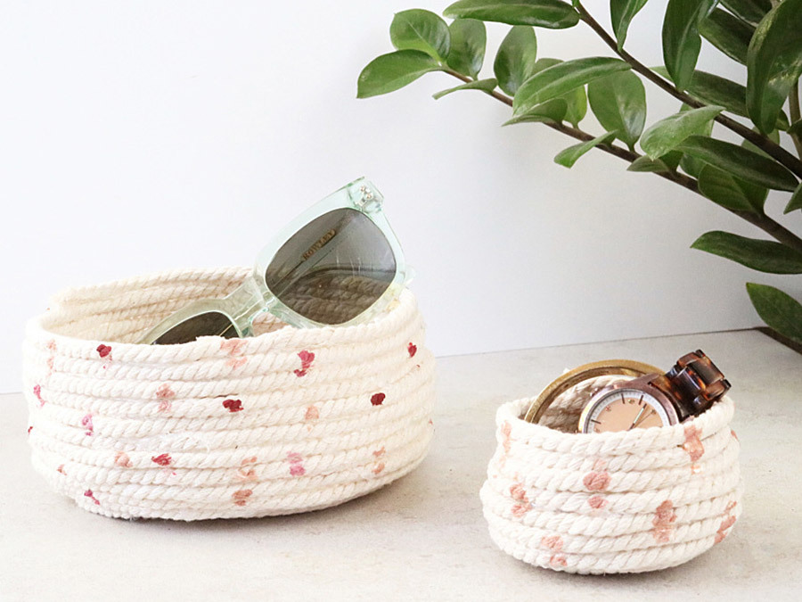 These DIY Speckled Rope Bowls Are The Easiest Craft Ever