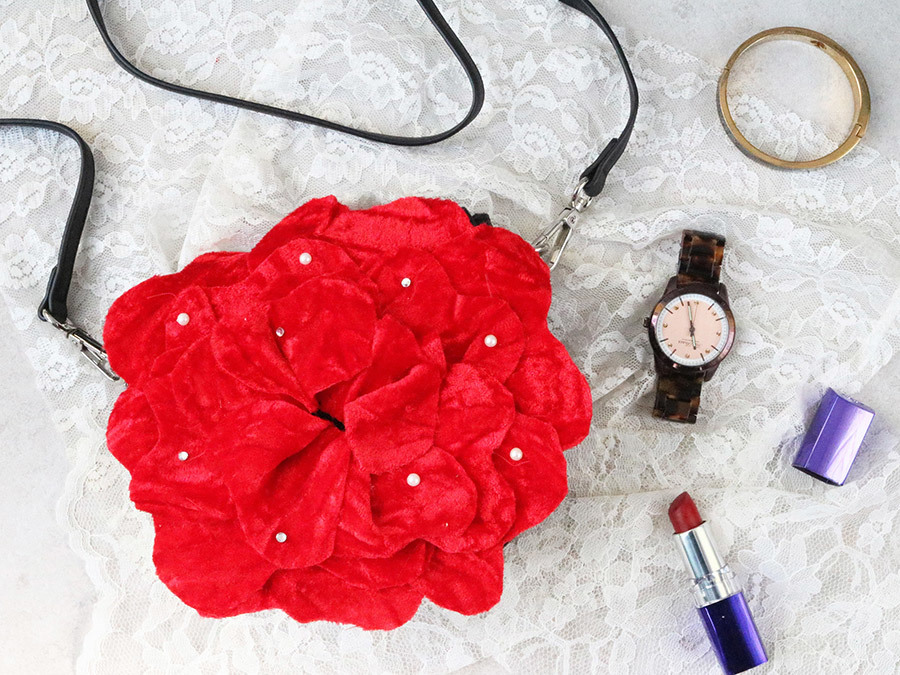A DIY Velvet Rose Purse That Will Make Any Outfit Blossom