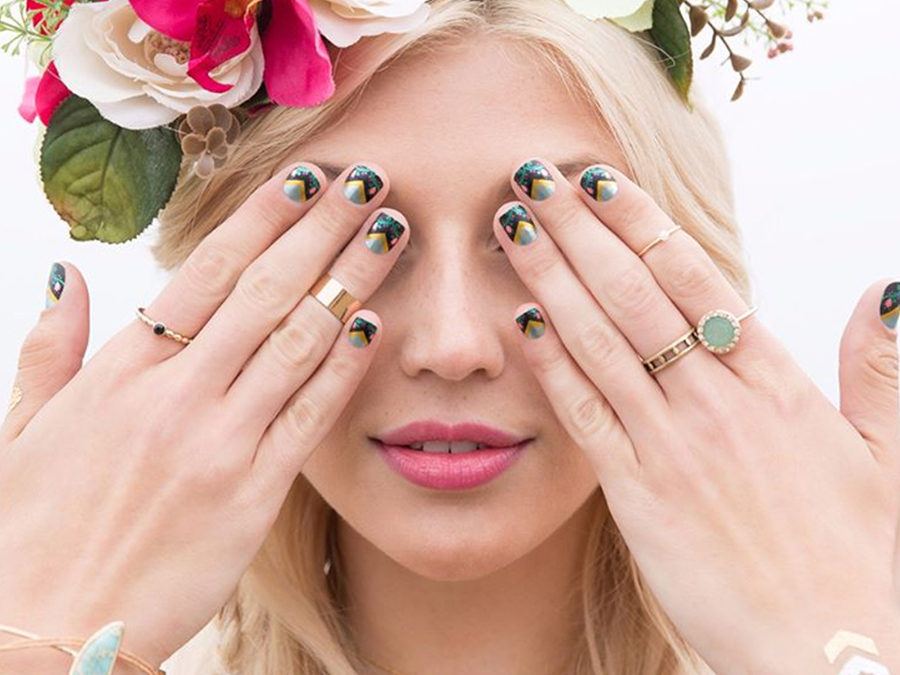 Breaking Down Jamberry vs. Minx vs. Incoco To Find The Best Nail Products