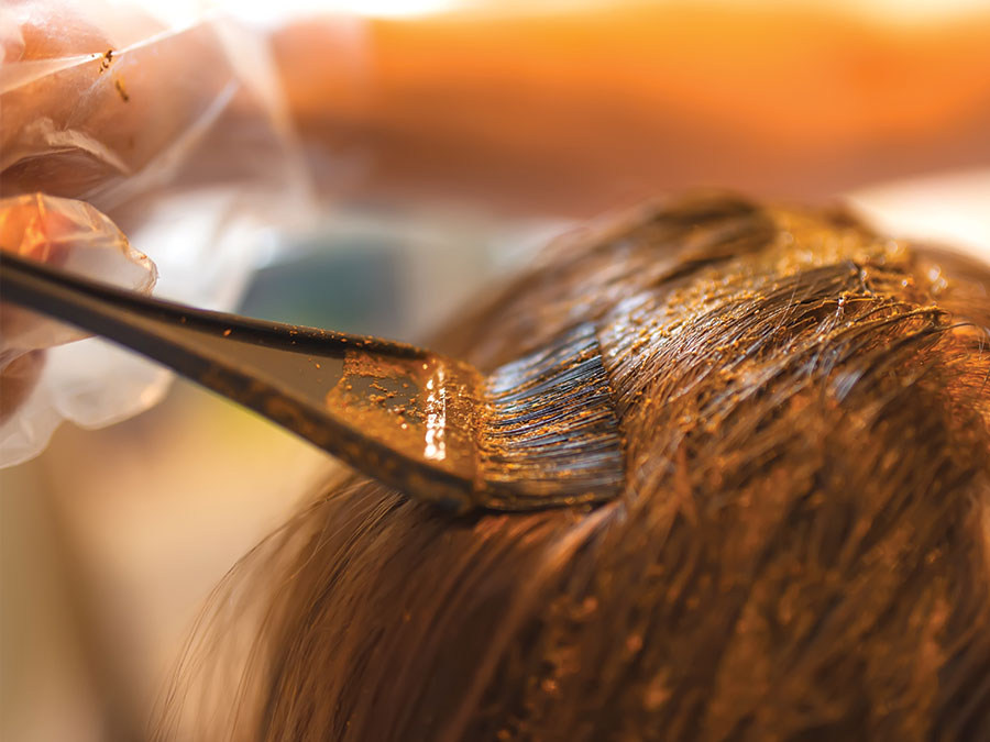 How to Use Natural Hair Dye: 4 Fabulous Ways