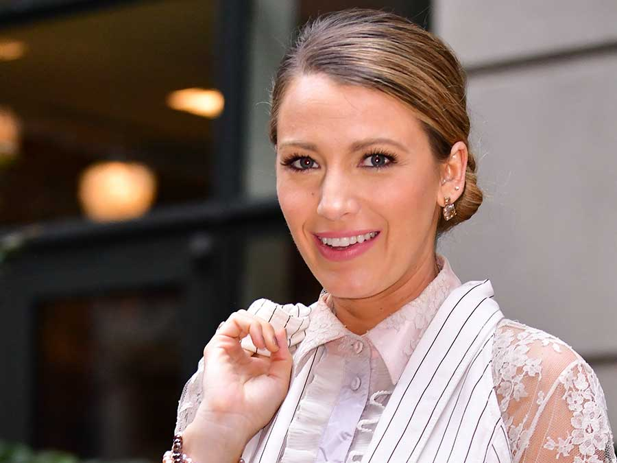 Blake Lively Shared The Beauty Hack Behind Her MTV VMAs Makeup Glow