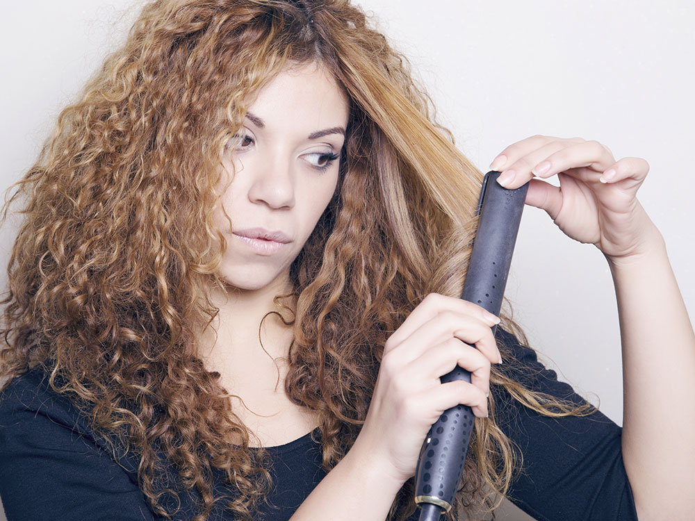 Straight: Which Do Men Prefer? Many women with curly hair ...