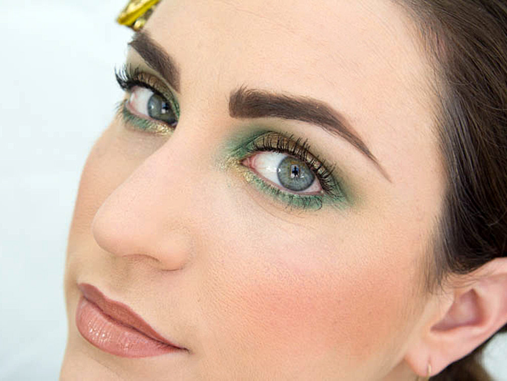 Feel the Irish with this St. Patty's Day Makeup Tutorial