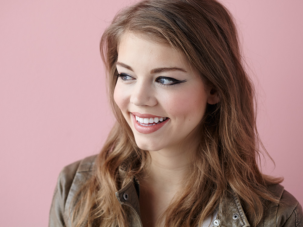 Meow! Three Different Ways to Do Cat-Eye Makeup