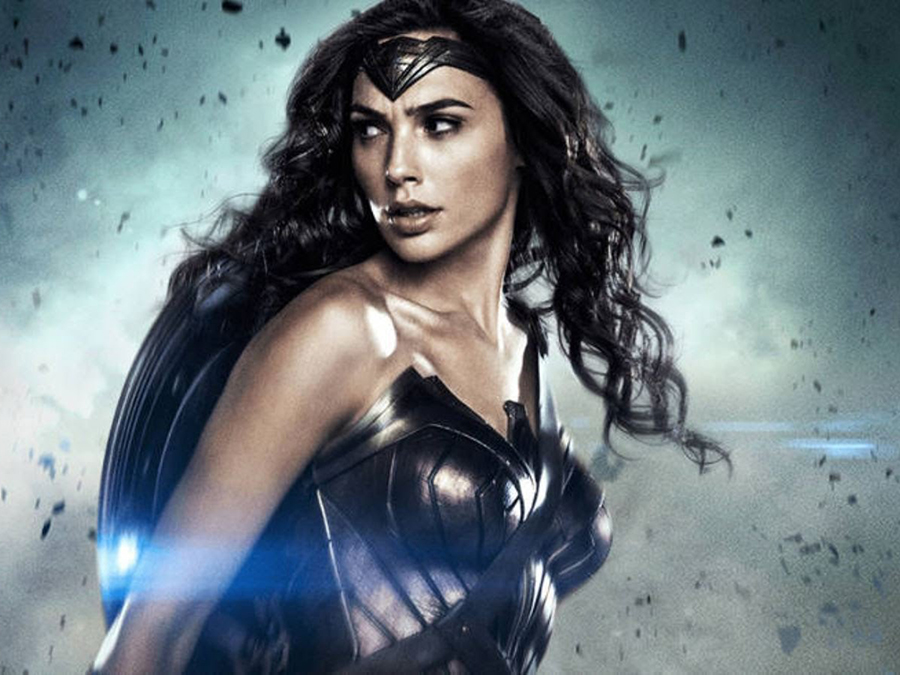Wonder Woman Is Officially Bisexual (And It's A Really Big Deal)