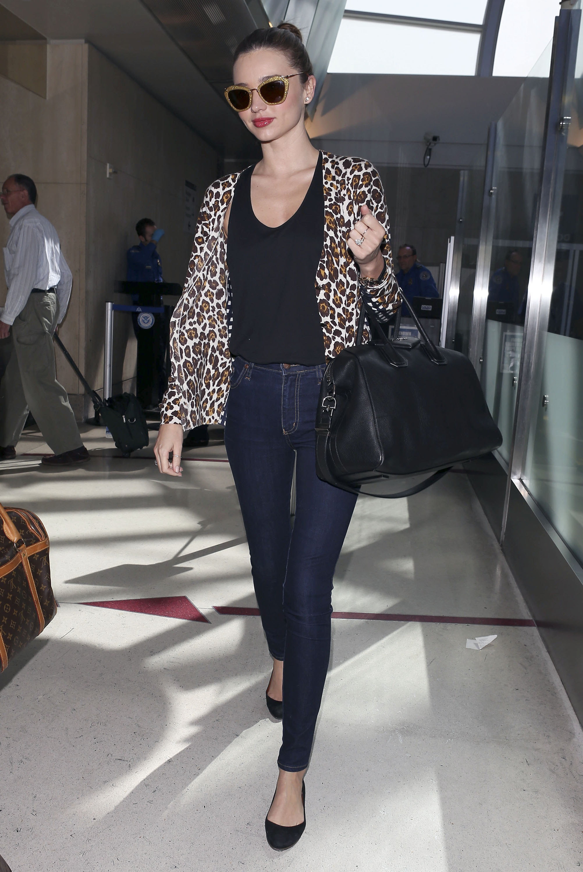 Get the Look: Miranda Kerr's Jet-Setting Style