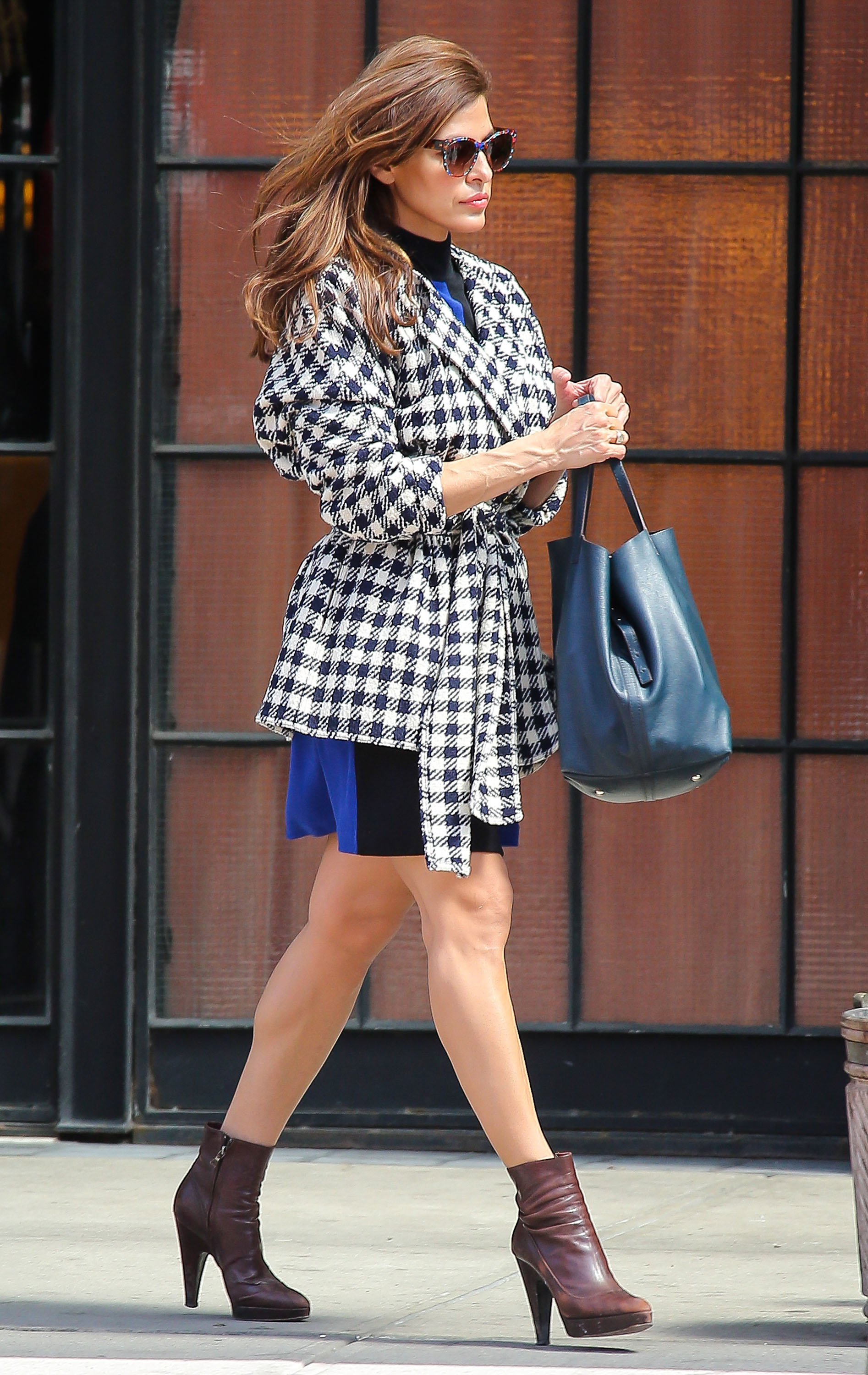 Get the Look: Eva Mendes' Spring Street Style